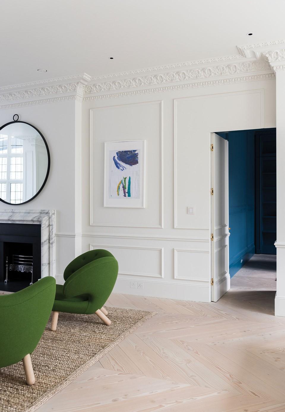 douglas-flooring-chevron_lye-white-soap_landsdowne-road_living-room_dinesen_02.jpg