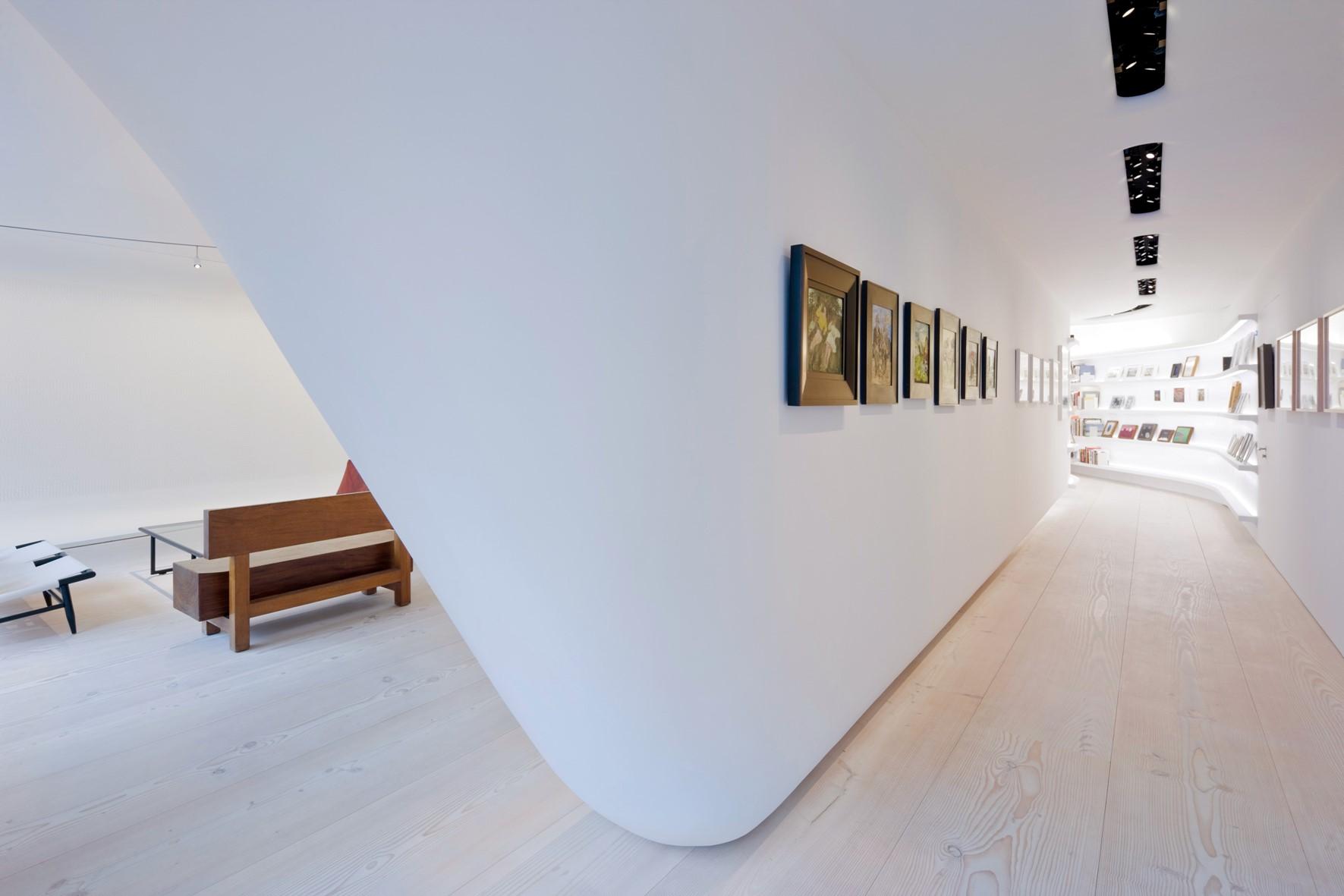 douglas-flooring_lye-white-soap_loft_studio_dinesen.jpg