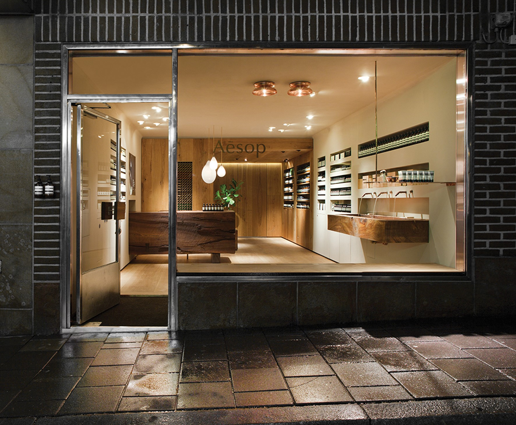 oak-wooden-planks_natural-oil_aesop-stockholm_shop_dinesen_06.jpg