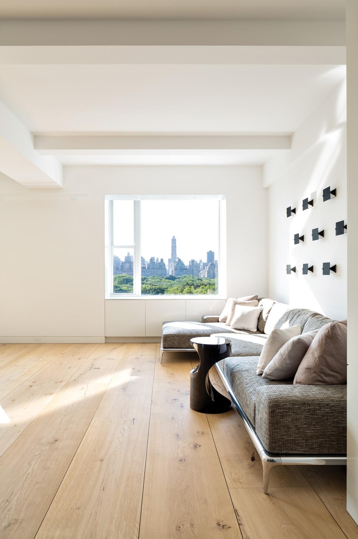 solid-oak-flooring_natural-oil_central-park_living-room_dinesen.jpg