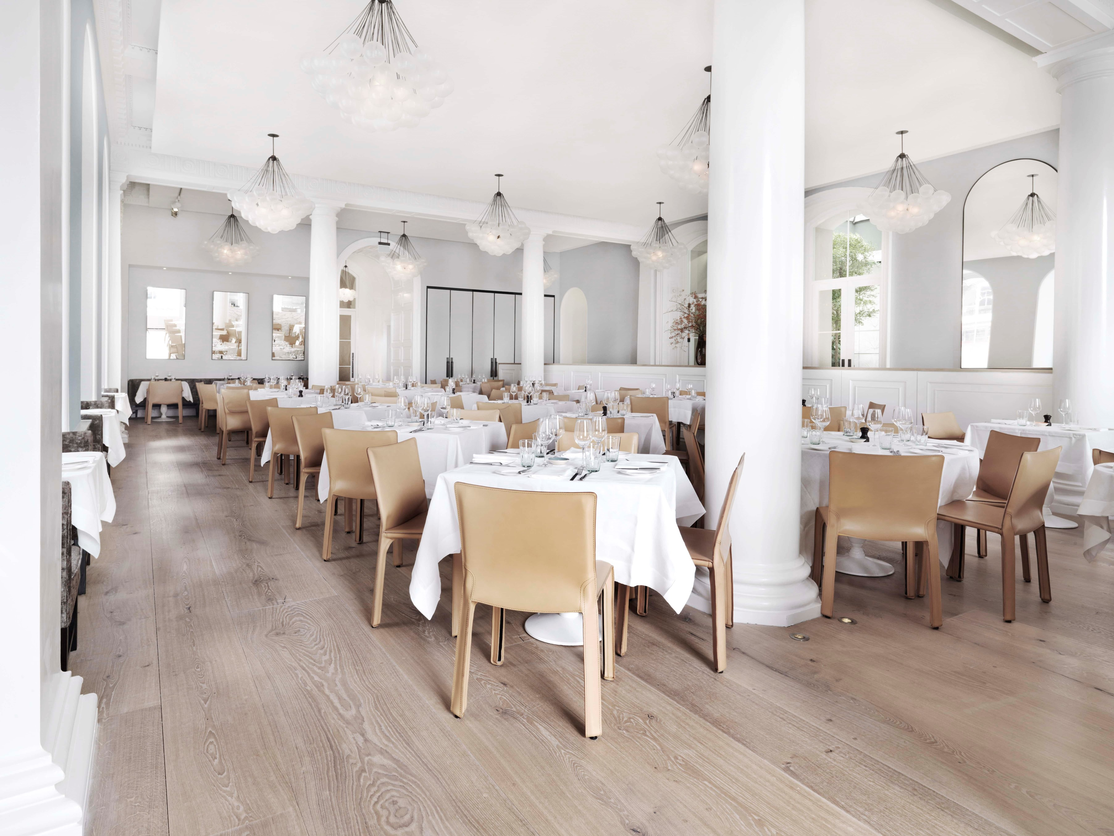 oak flooring heartoak light oil spring restaurant dining hall dinesen 04.jpg