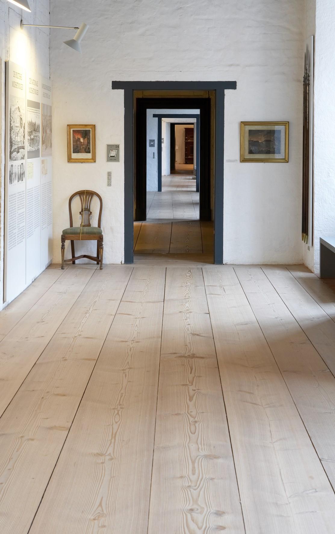 douglas fir floor untreated sonderborg castle hallway dinesen 02.jpg