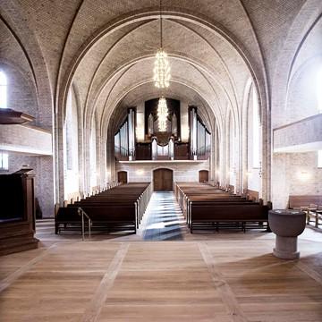 Helleruplund Church