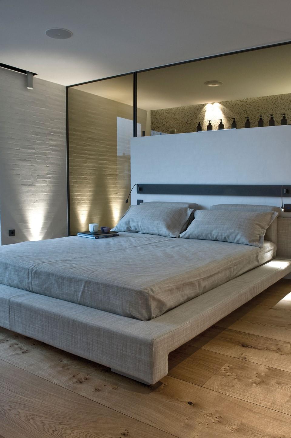 oak-hardwood-floors-heartoak_natural-oil_strib-residence_bedroom_dinesen.jpg