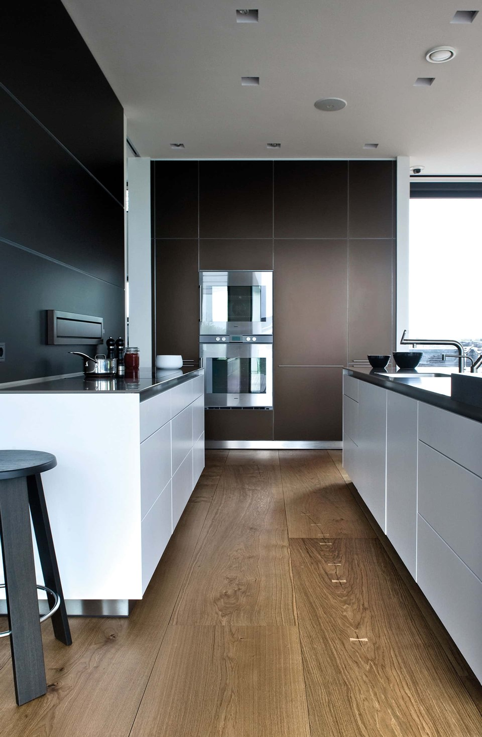 oak-hardwood-floors-heartoak_natural-oil_strib-residence_kitchen_dinesen.jpg