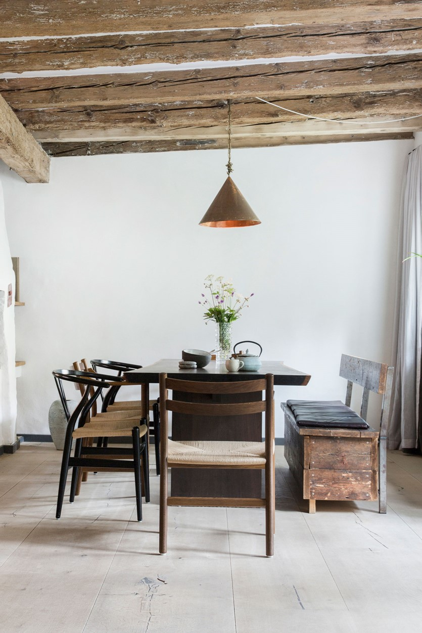 oak-hardwood-plank-flooring-heartoak_white-oil_redzepi-home_dining-room_dinesen.jpg
