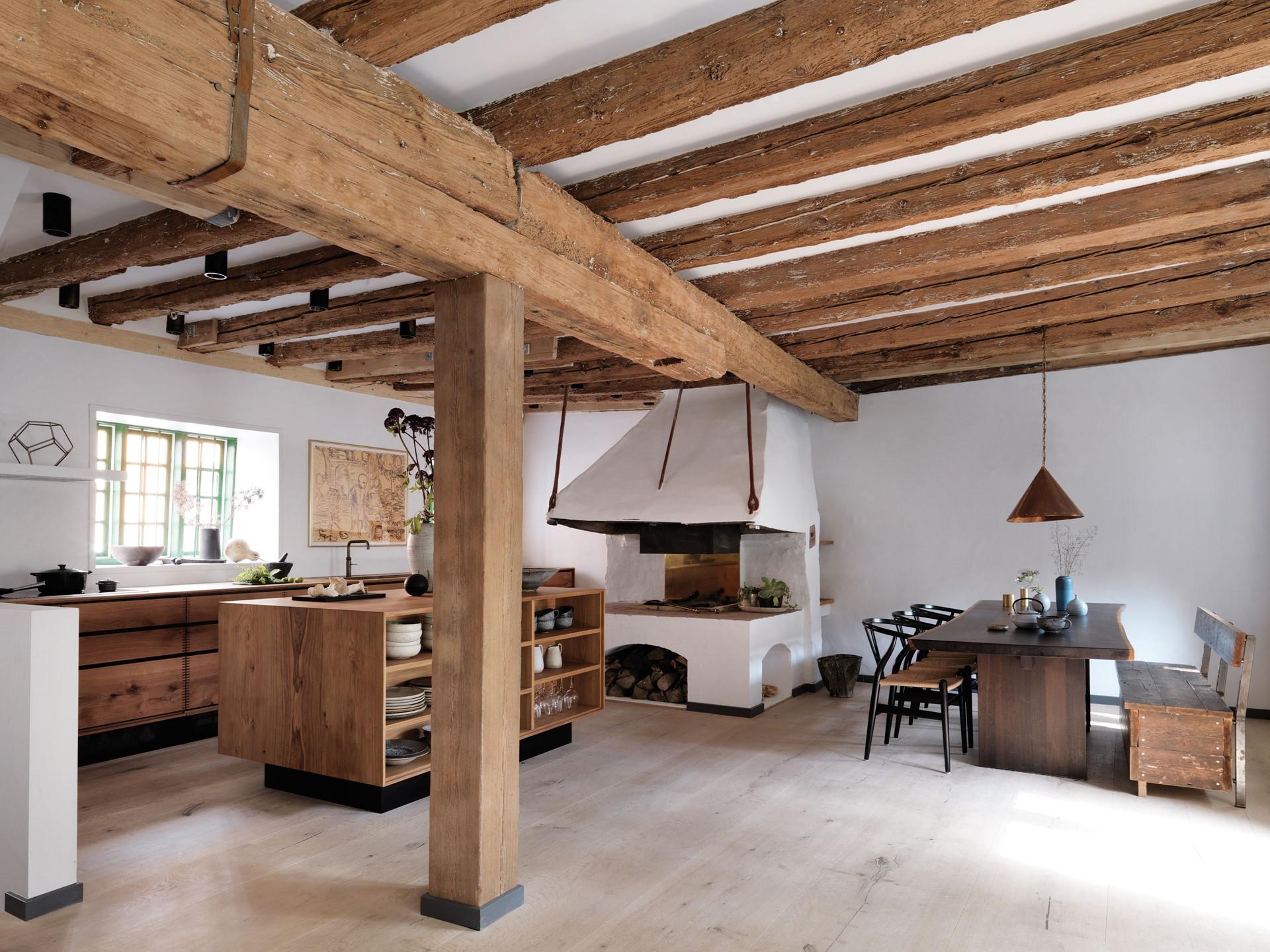 oak-hardwood-plank-flooring-heartoak_white-oil_redzepi-home_kitchen_dinesen_02.jpg