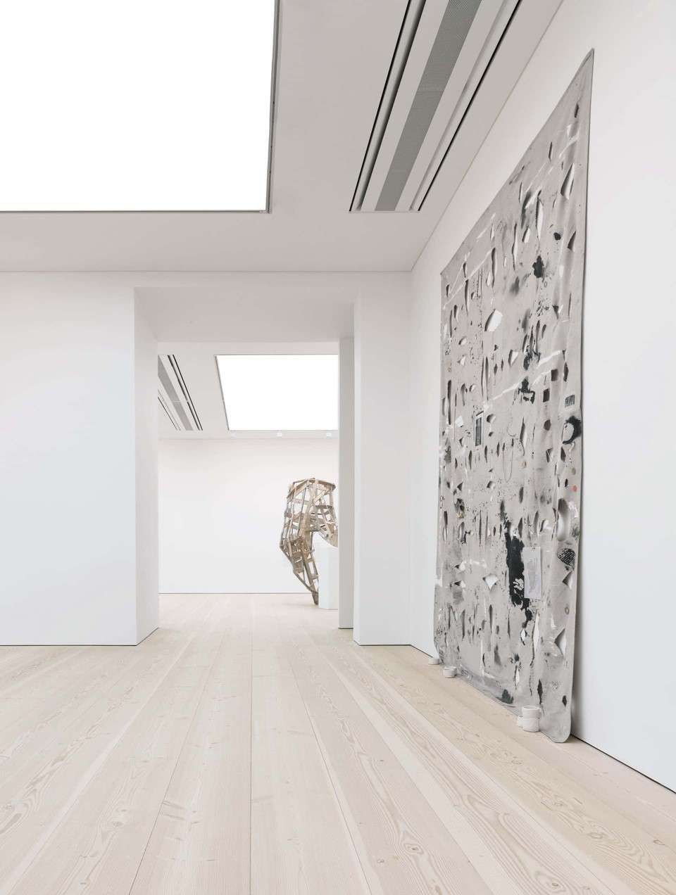 douglas-fir-flooring_lye-white-soap_saatchi-gallery_sculpture_dinesen_02.jpg