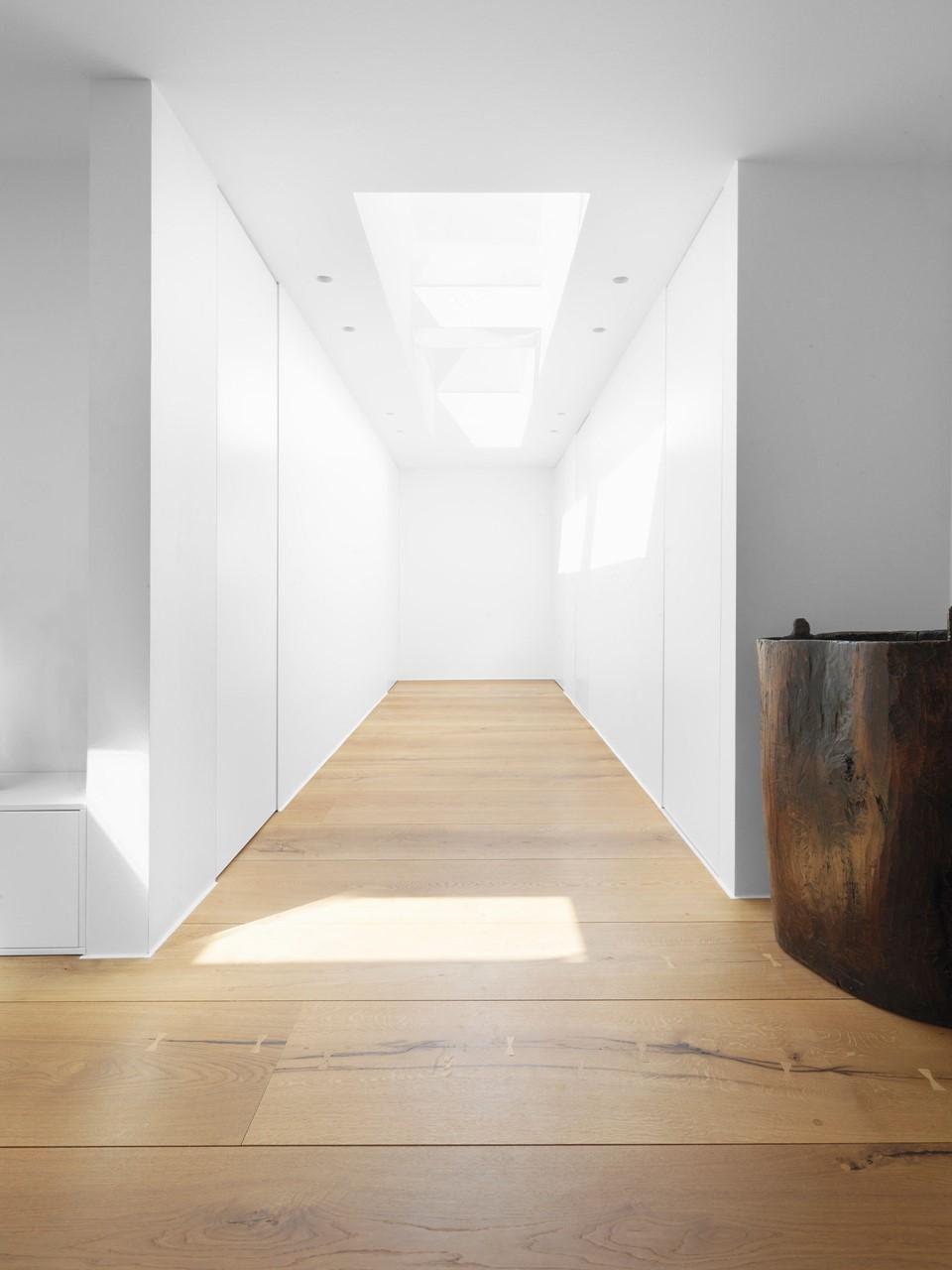 heartoak-flooring-oak_natural-oil_sjaelland_hallway_dinesen.jpg