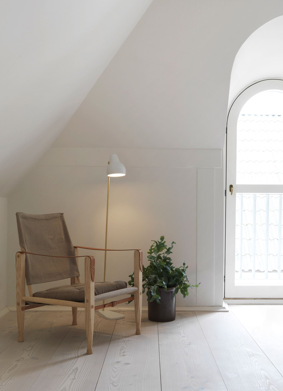 douglas fir floor lye white soap underfloor heating chair dinesen country home.jpg