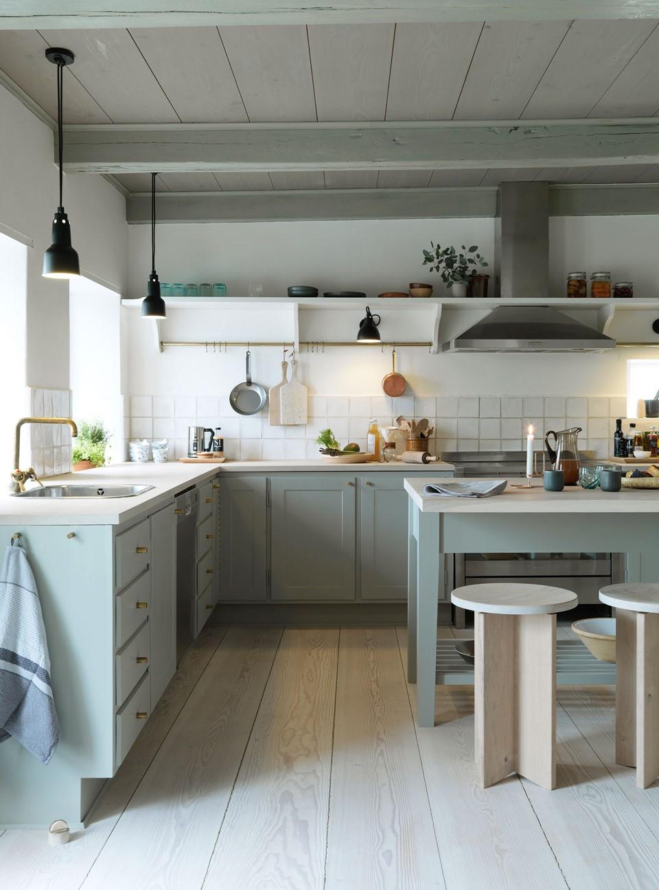 douglas fir floor lye white soap underfloor heating kitchen dinesen country home.jpg