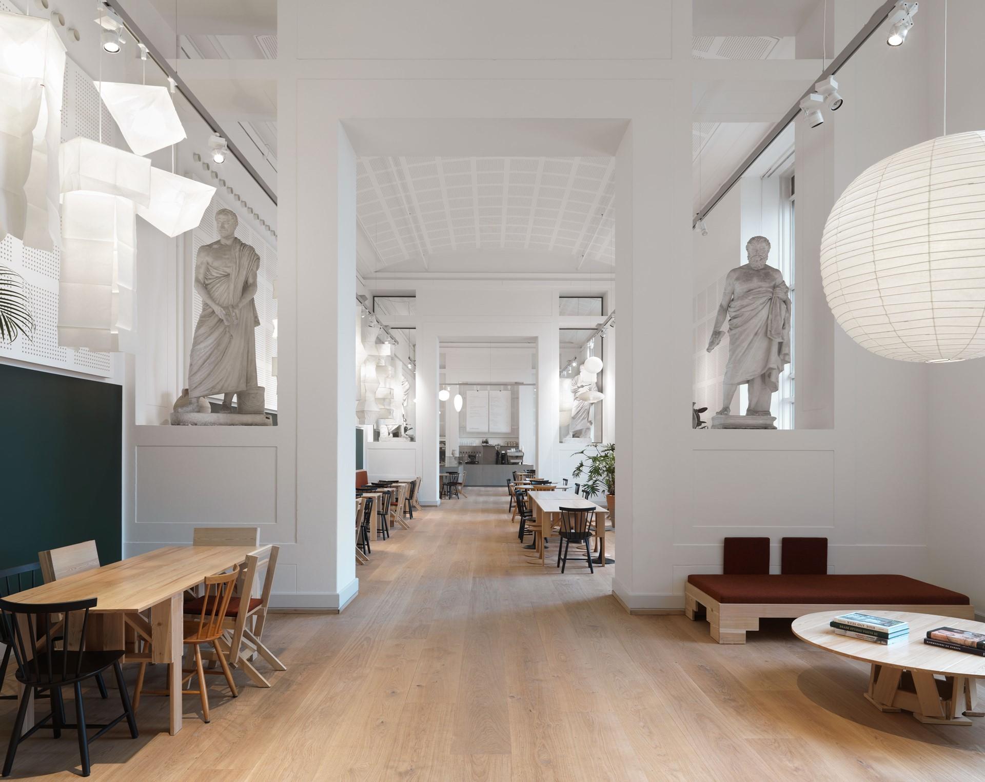 oak-flooring-grandoak_natural-oil_the-national--gallery-of-denmark_dinesen_08.jpg