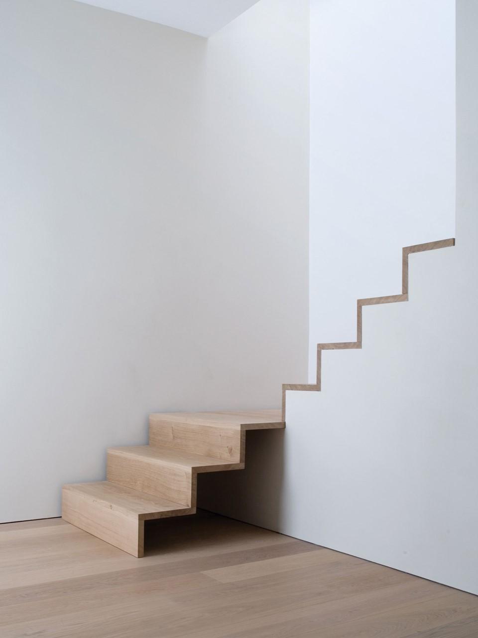 oak-stairs_schwabe_wooden-staircase_dinesen.jpg