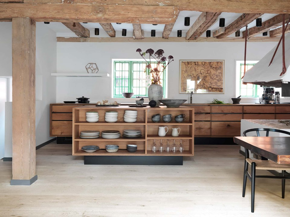 oak-hardwood-plank-flooring-heartoak_white-oil_rene-redzepi-home_kitchen_dinesen.jpg