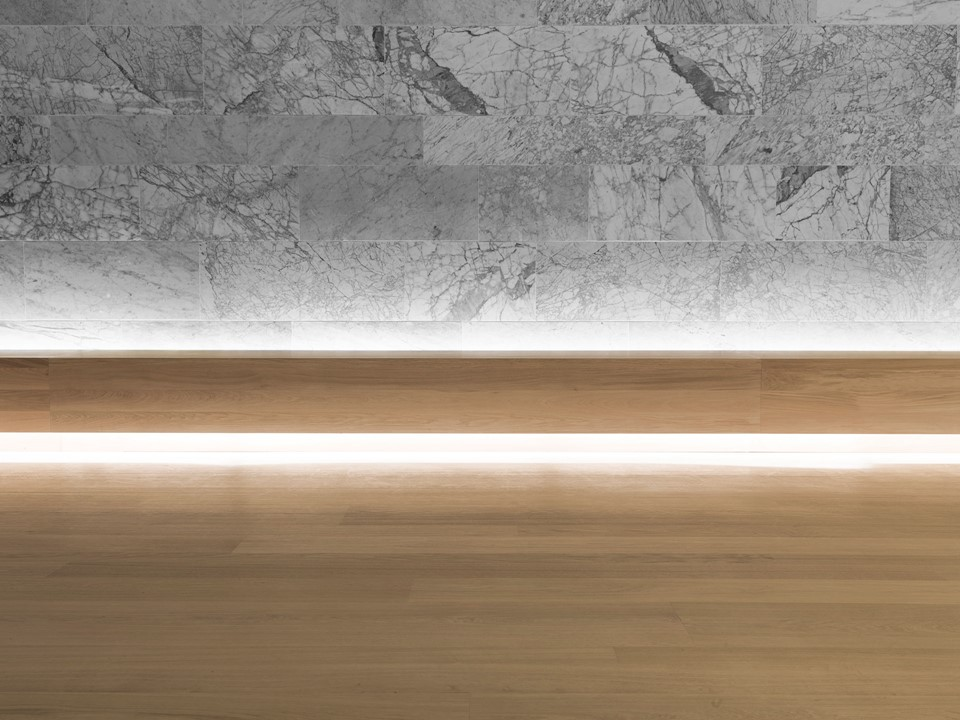 oak-flooring-grandoak_light-oil-laquer_the-design-museum_bench_dinesen.jpg
