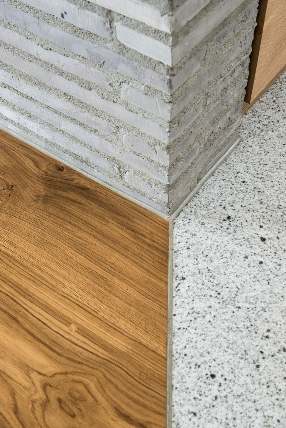 solid-oak-flooring_natural-oil-laquer_stavanger_details_dinesen.jpg