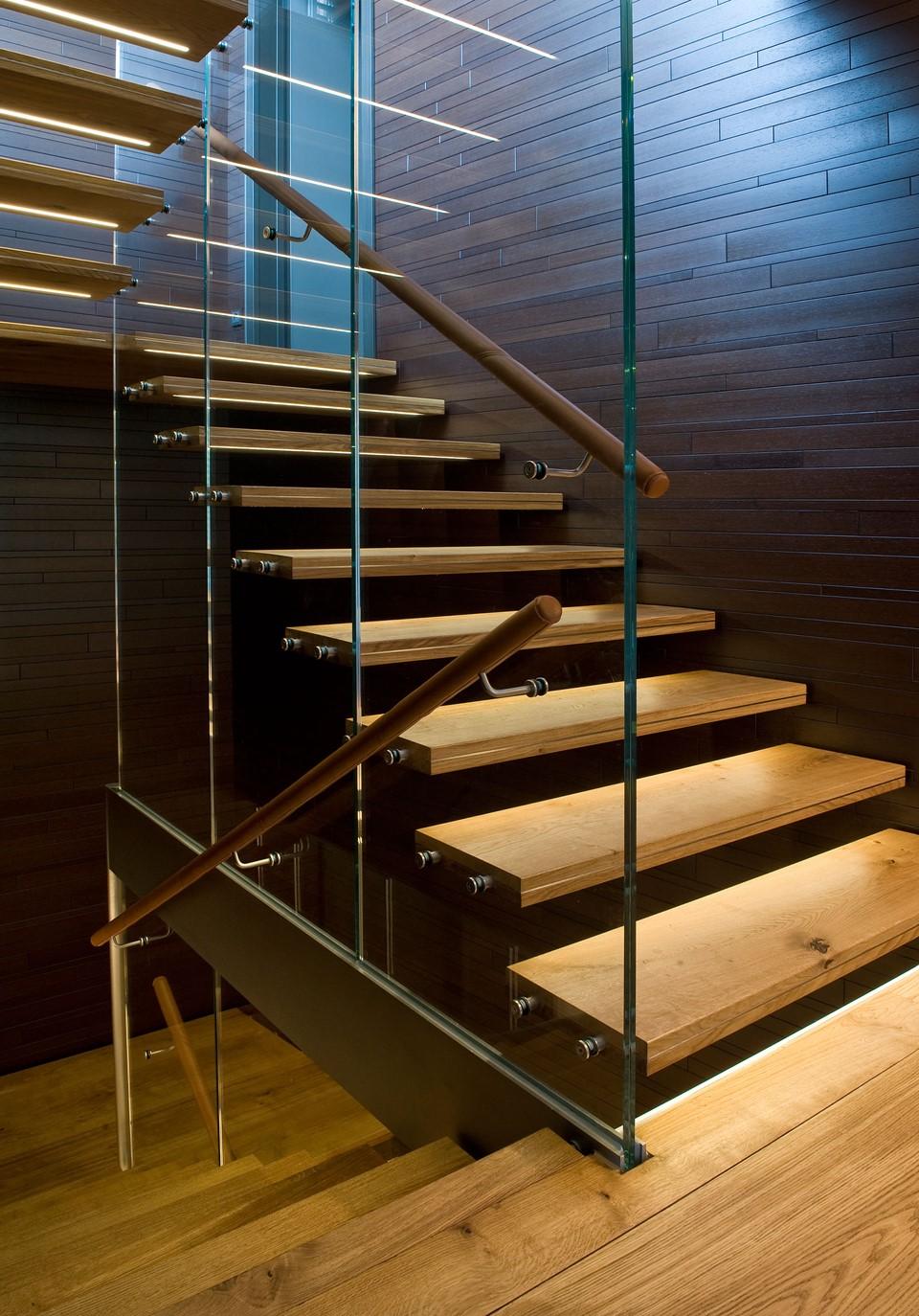 oak-hardwood-floors-heartoak_natural-oil_strib-residence_stairs_dinesen.jpg