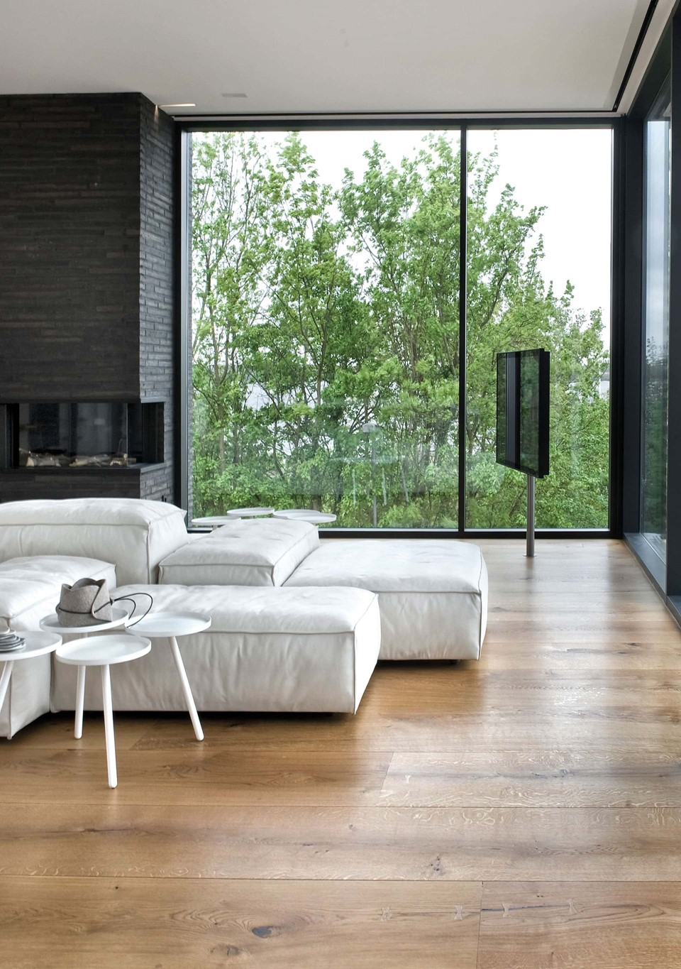 oak-hardwood-floors-heartoak_natural-oil_strib-residence_living-room2_dinesen.jpg