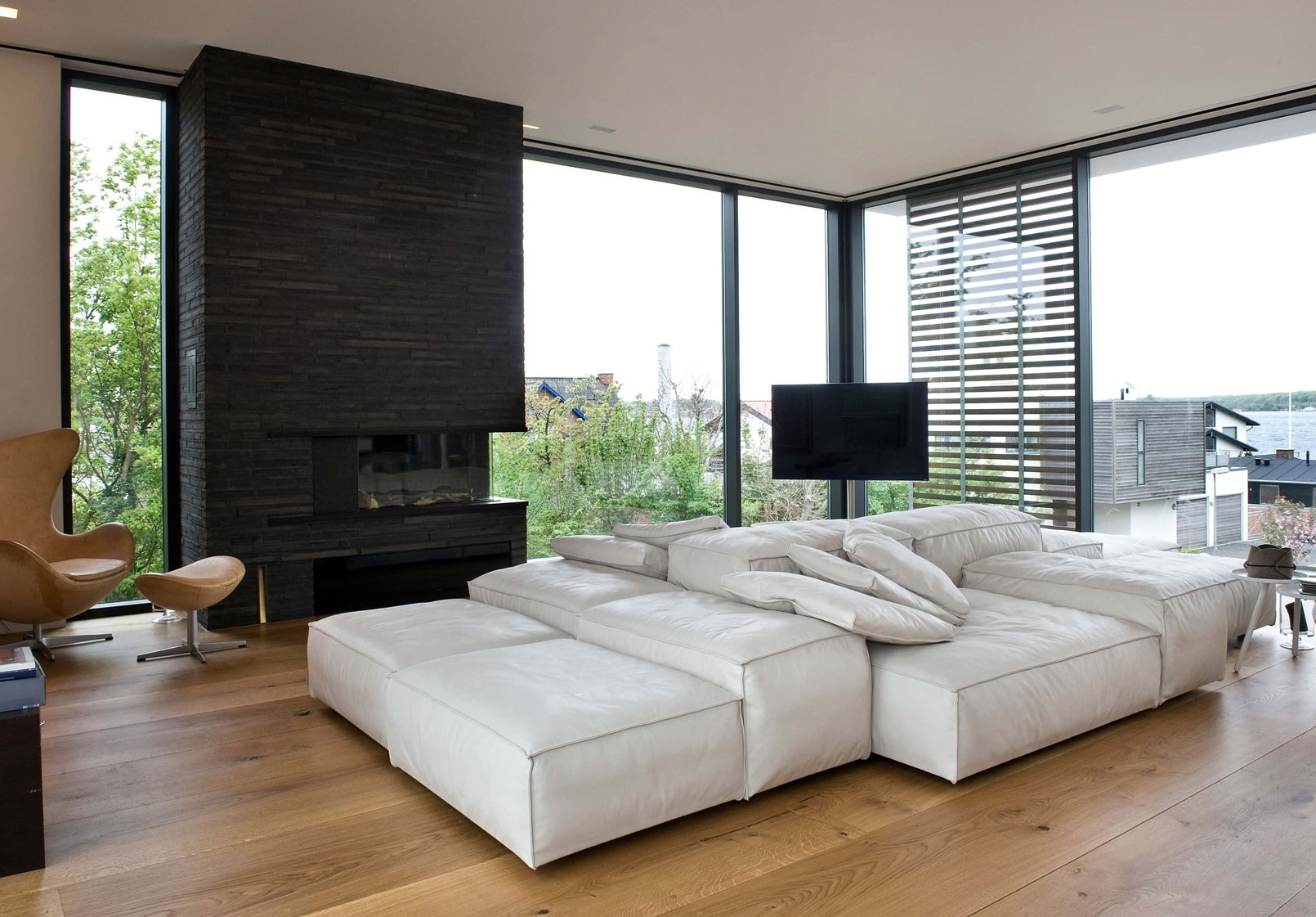 oak-hardwood-floors-heartoak_natural-oil_strib-residence_livingroom_dinesen.jpg