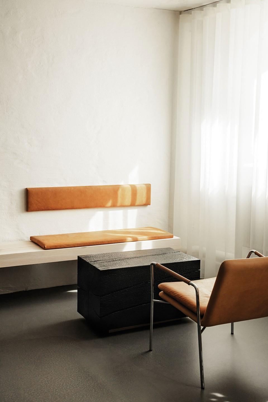 mejlborg-basement_aarhus-showroom_lounge_dinesen.jpg