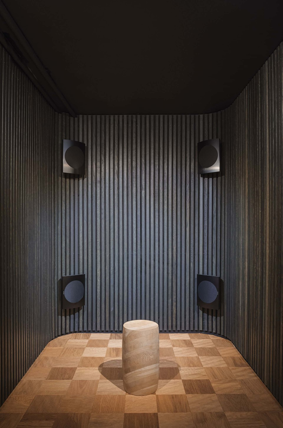 mejlborg-basement_aarhus-showroom_sound-room_dinesen.jpg