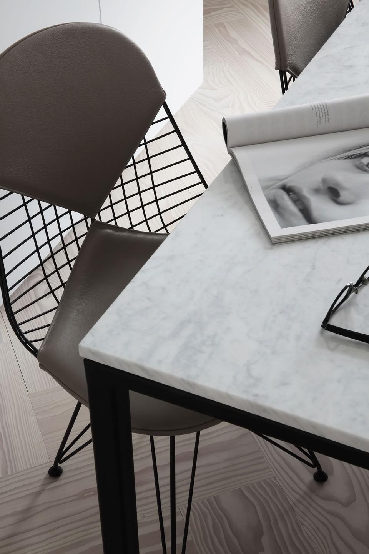 douglas-flooring-herringbone_lye-white-oil_elisabeth-heier_eames-chair_dinesen_03.jpg