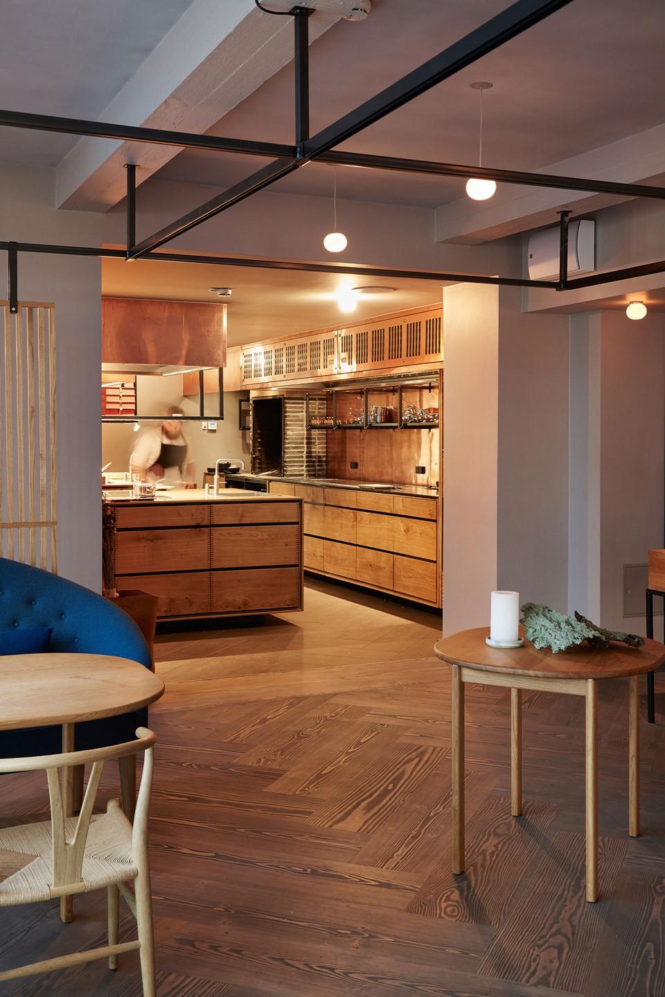 herringbone-douglas-dark-flooring_antracite-grey-oil_kadeau-restaurant-copenhagen_dining_dinesen_03.jpg
