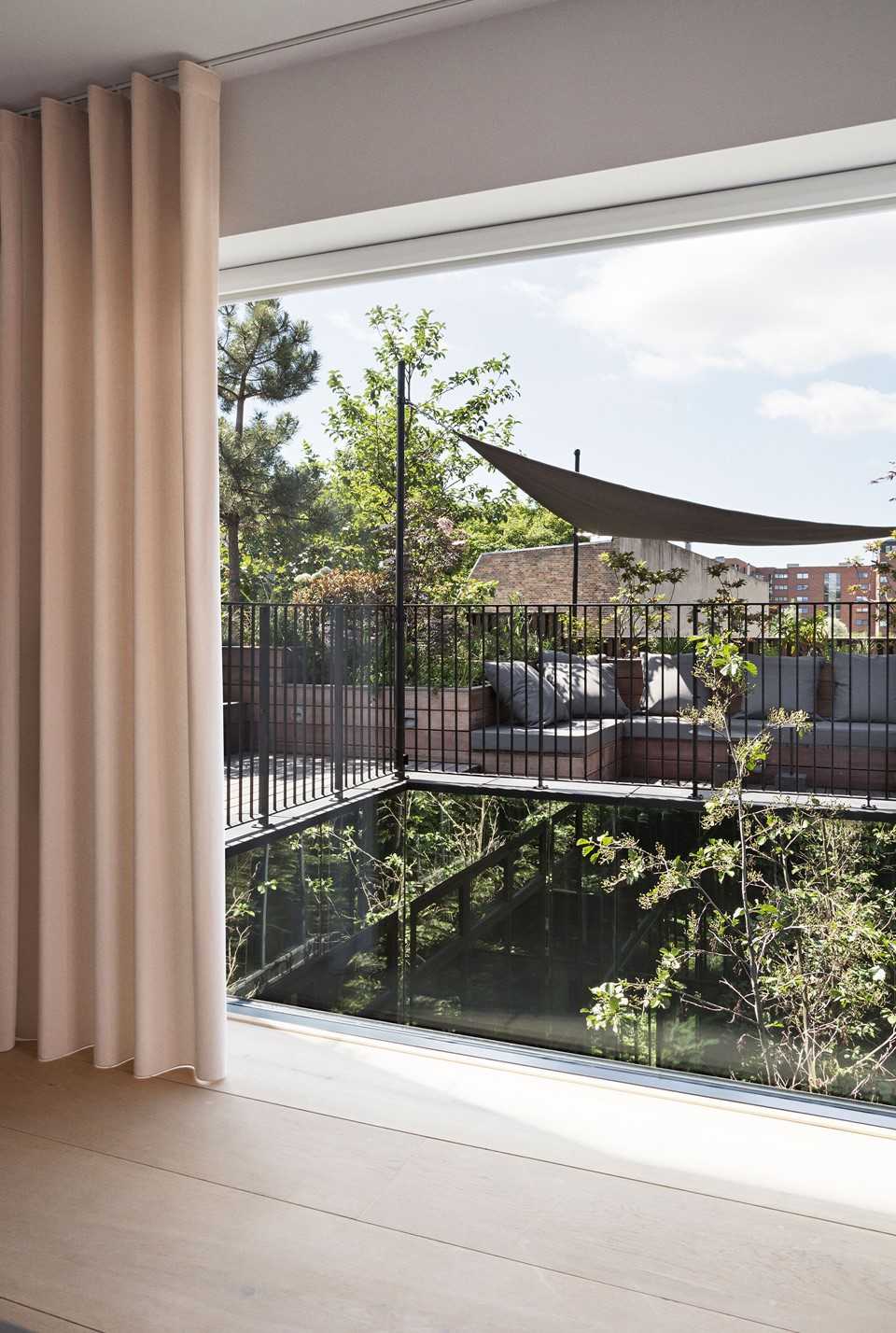 oak-hardwood-plank-flooring-heartoak_natural-oil_peters-house_office-view_dinesen.jpg