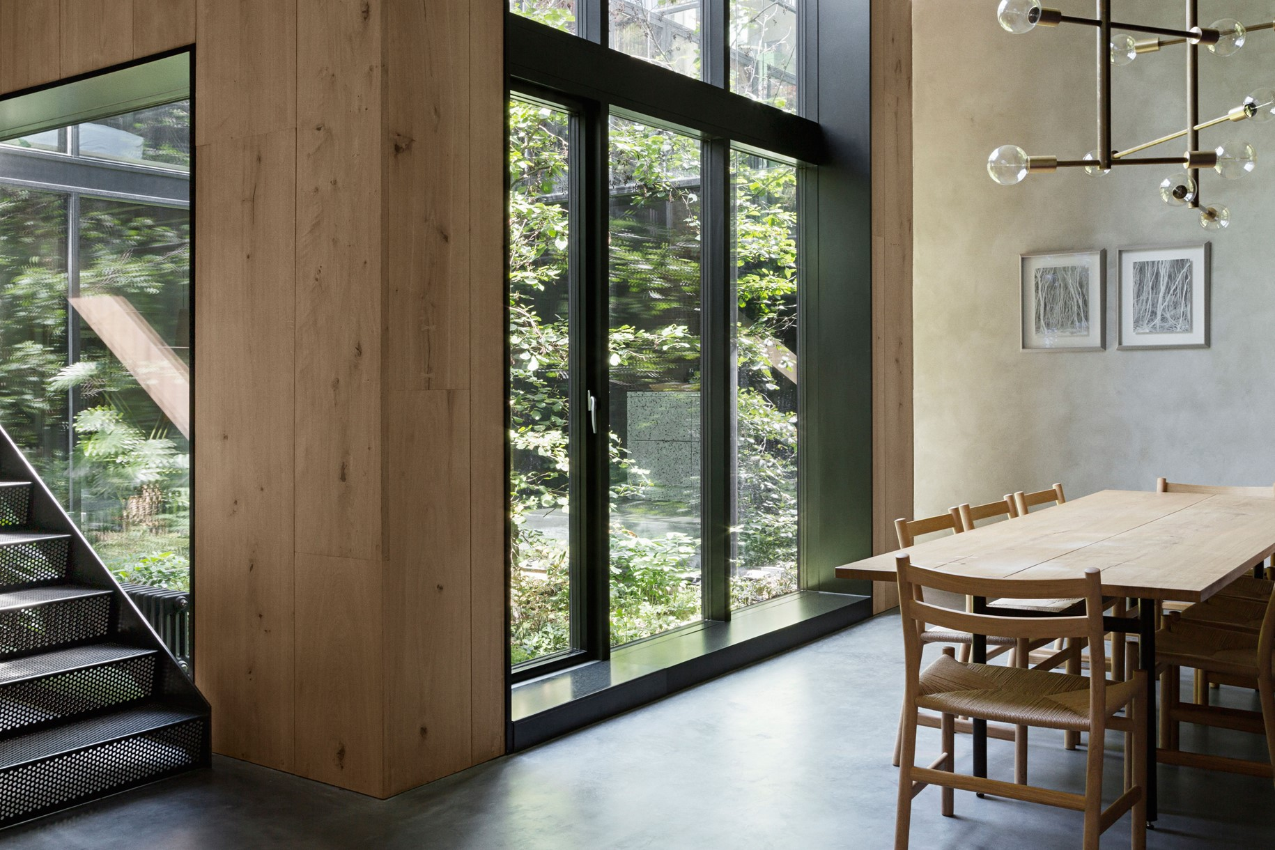 oak-hardwood-wall-cladding-heartoak_natural-oil_peters-house_dining-table_dinesen.jpg