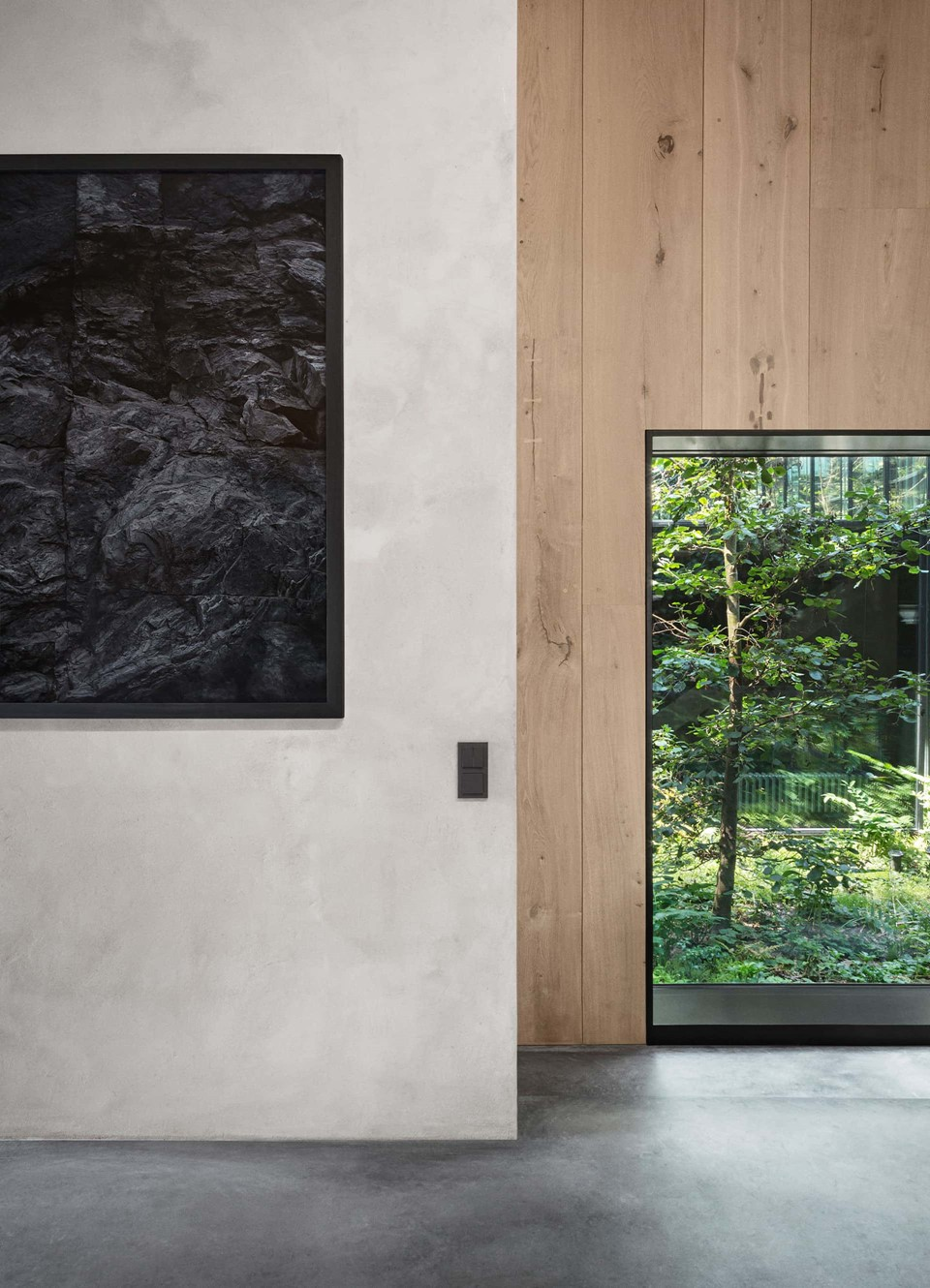 oak-hardwood-wall-cladding-heartoak_natural-oil_peters-house_window-frame_dinesen.jpg