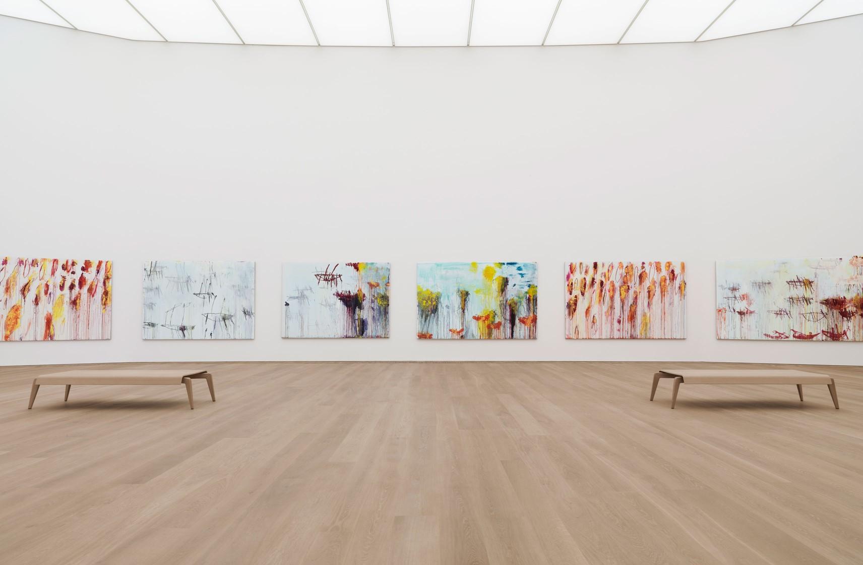 oak-flooring_lye-white-oil_museum-brandhorst_benches-gallery_dinesen.jpg