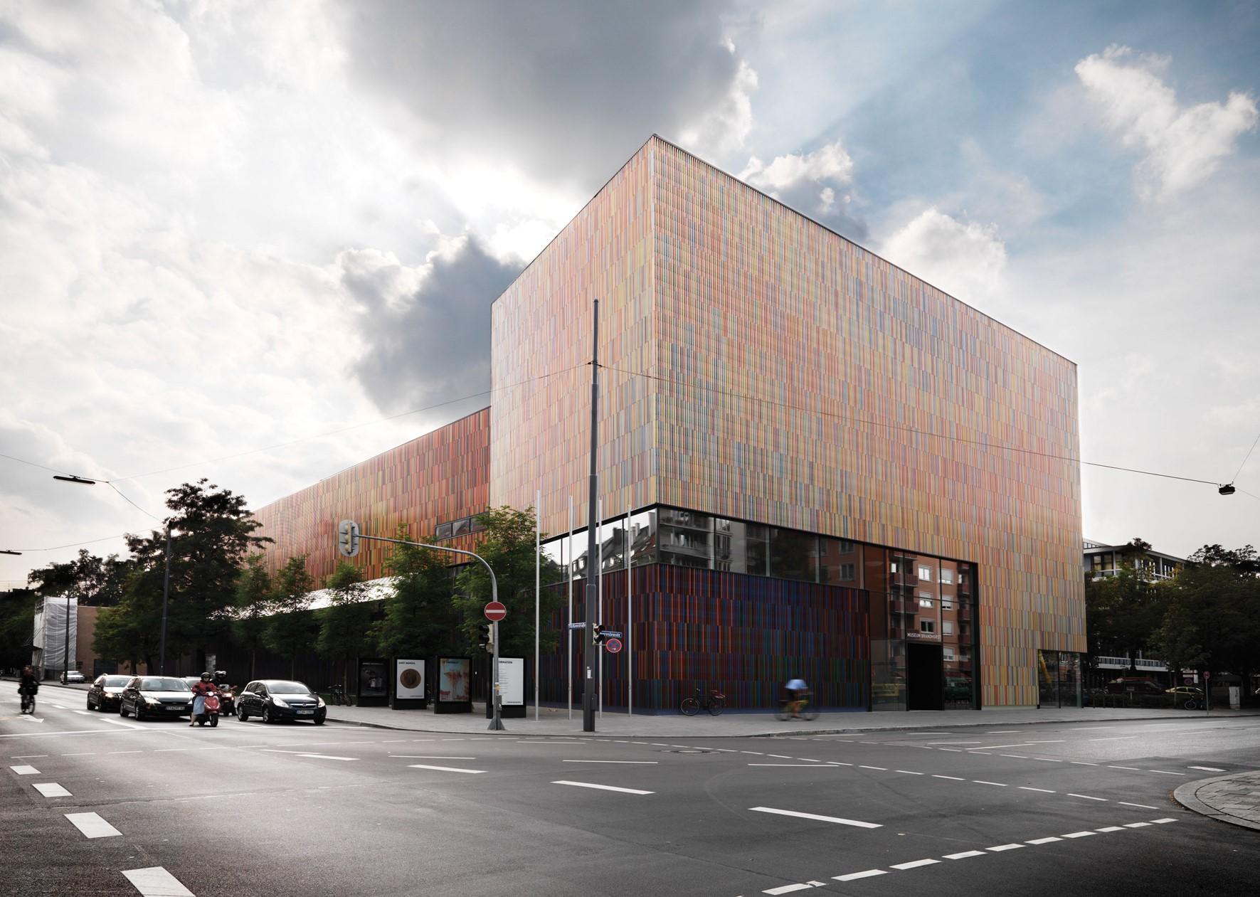 oak-flooring_lye-white-oil_museum-brandhorst_exterior_dinesen.jpg