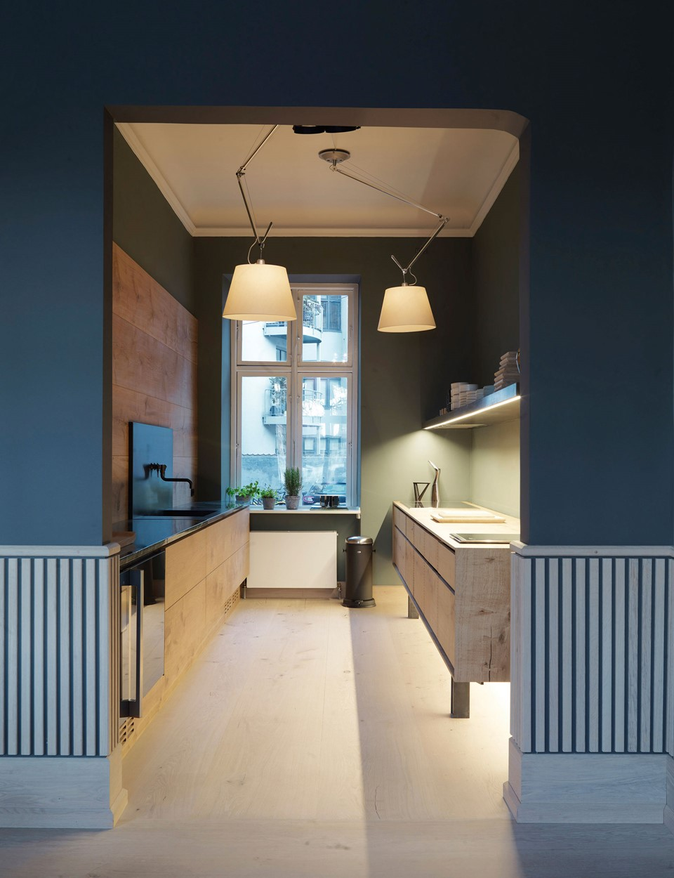 dinesen-showroom-copenhagen_oak-kitchen_dinesen.jpg