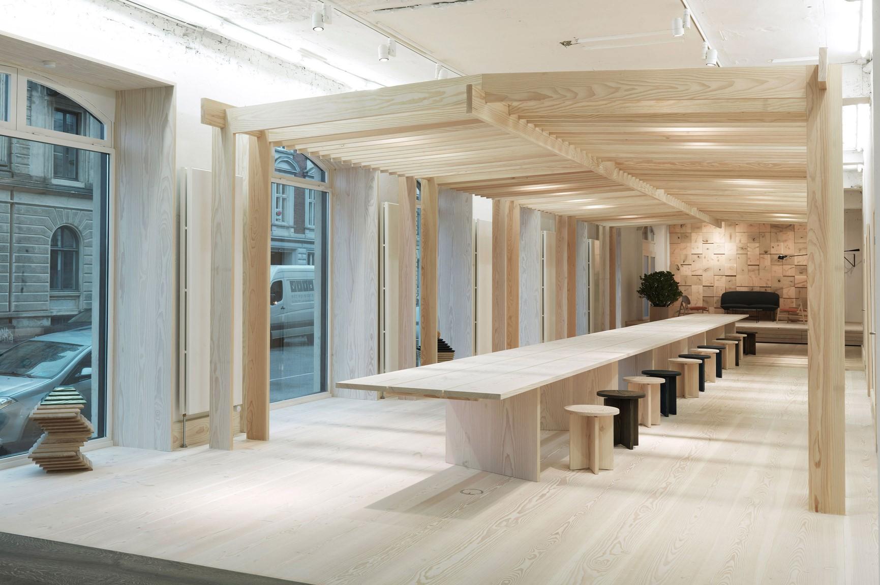 douglas-floor_lye-and-white-soap_dinesen-showroom-copenhagen_dinesen.jpg