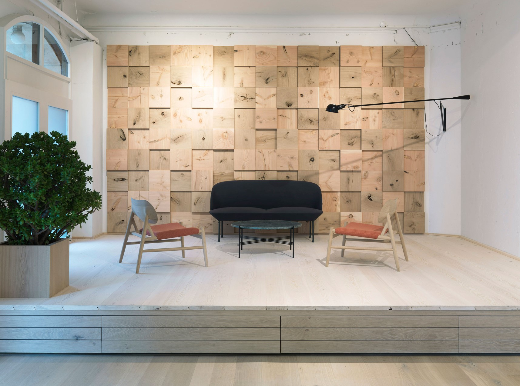 douglas-floor_lye-and-white-soap_dinesen-showroom-copenhagen_podie_dinesen.jpg