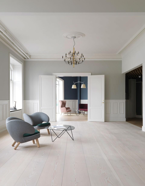 douglas-wide-plank-floor_lye-and-white-soap_dinesen-showroom-copenhagen_dinesen.jpg