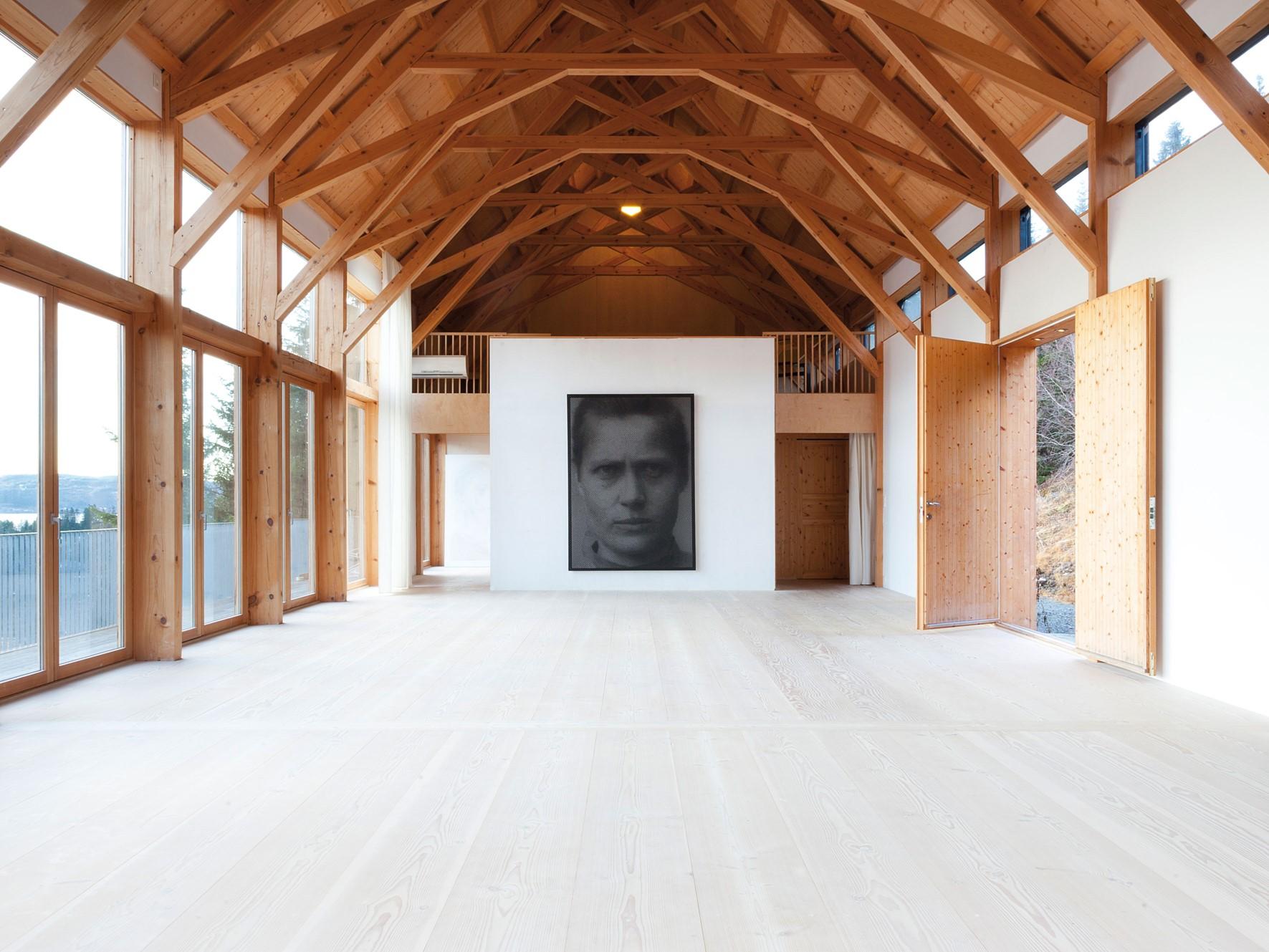 douglas-flooring_lye-and-white-soap_studio-nylenne_dinesen_01.jpg