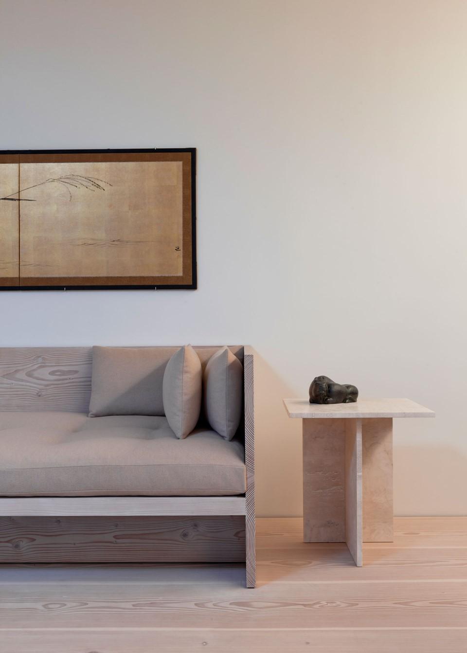 douglas-flooring_lye-and-white-soap_central-park-office_wooden-furniture_dinesen.jpg