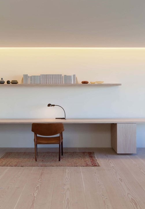 douglas-flooring_lye-and-white-soap_central-park-office_work-space_dinesen.jpg