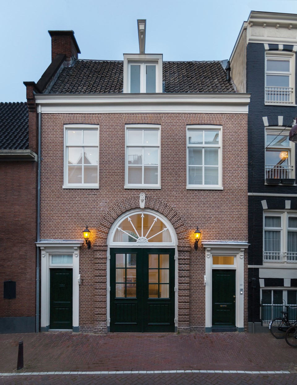 douglas-plank-floor_lye-and-natural-oil_coach-house-amsterdam_exterior_dinesen.jpg