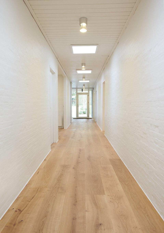 dinesen-oak-natural_natural-oil_nicholaisen_hallway_dinesen.jpg