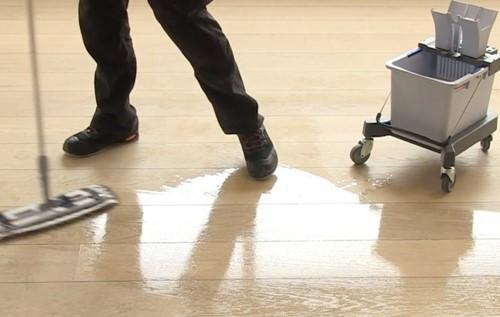 Vedligehold af oliebehandlet gulv