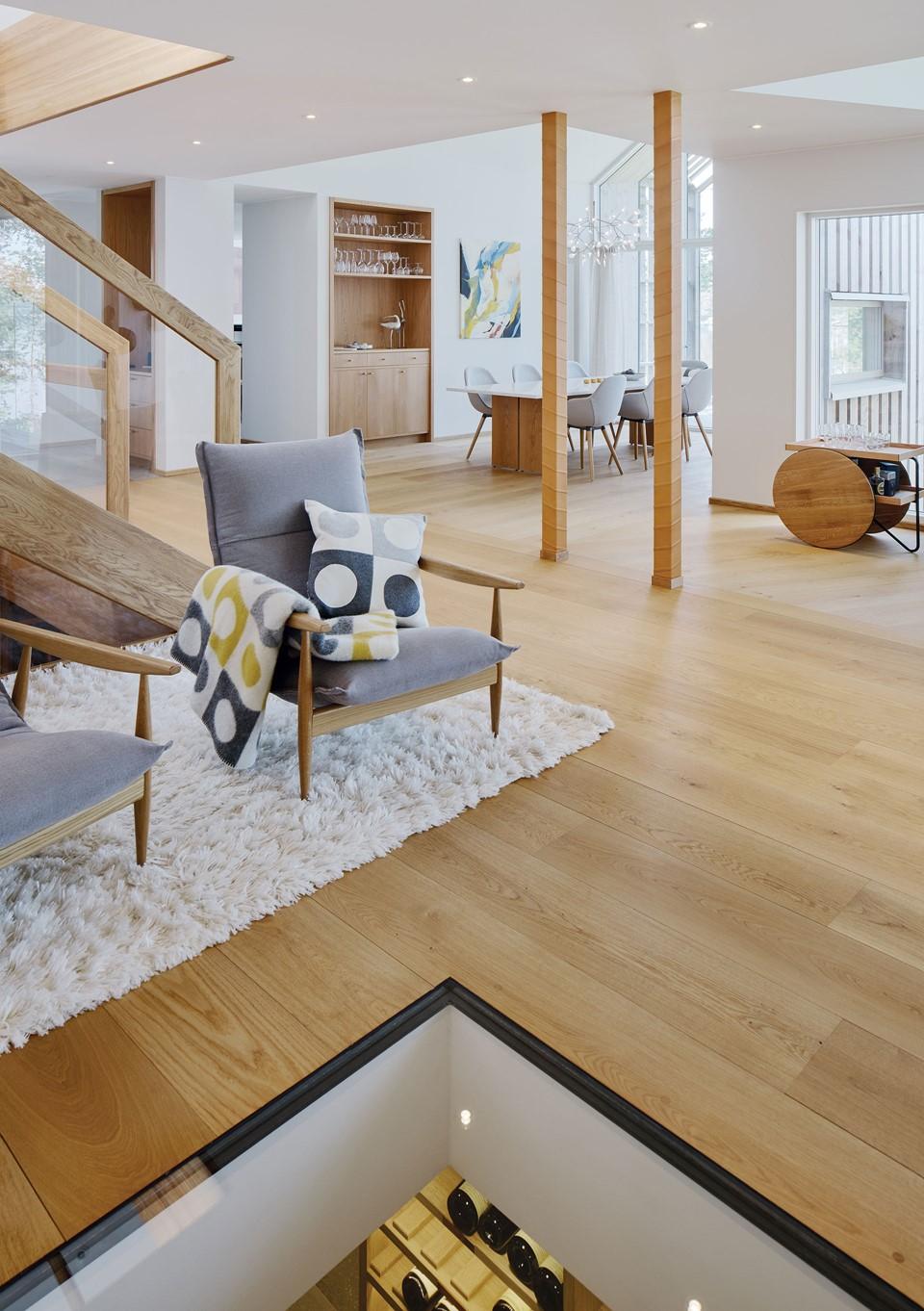 oak-flooring_natural-oil_villa-sunnano_murman-arkitekter_dinesen.jpg