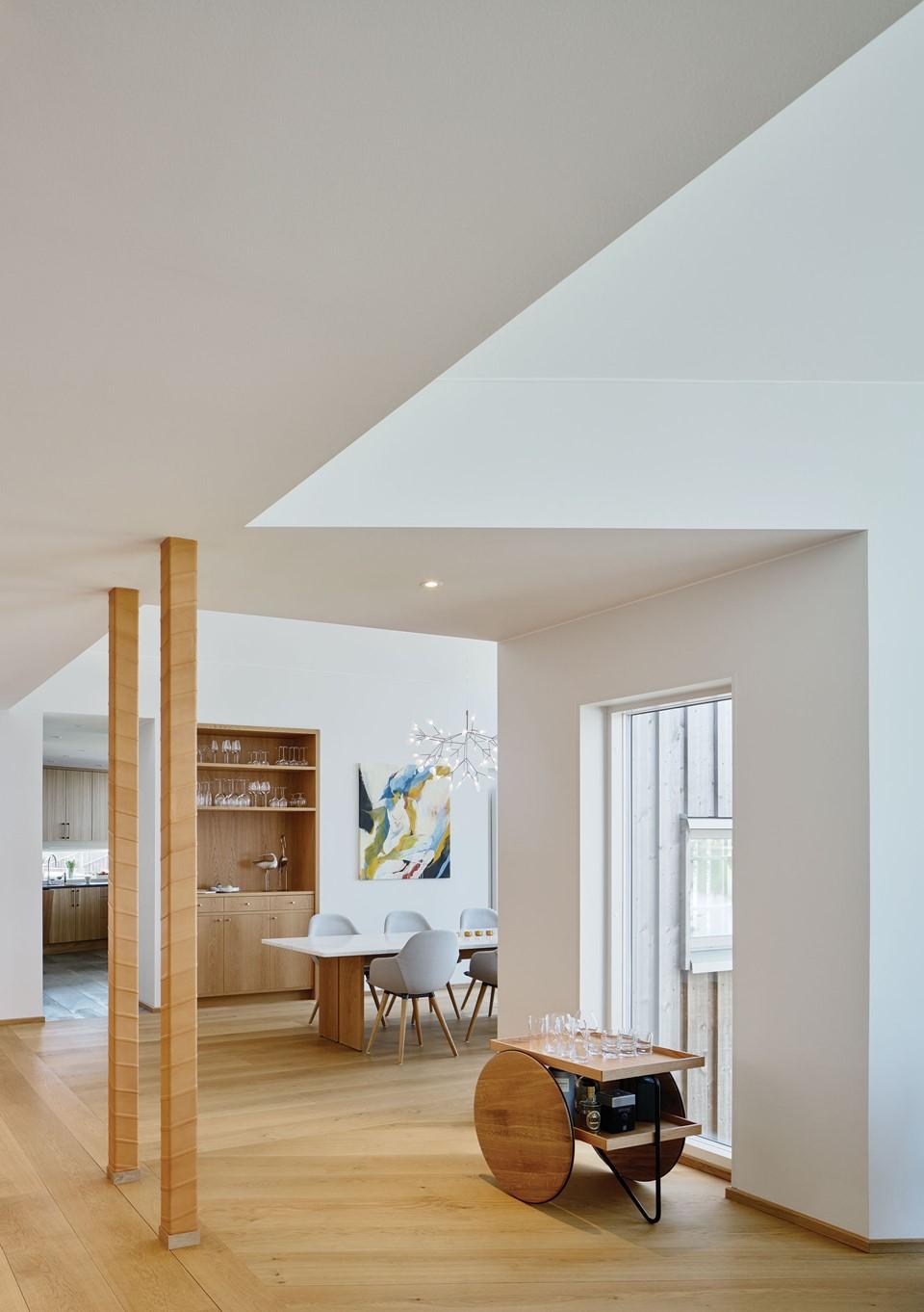 oak-flooring_natural-oil_villa-sunnano_solid-oak_dinesen.jpg