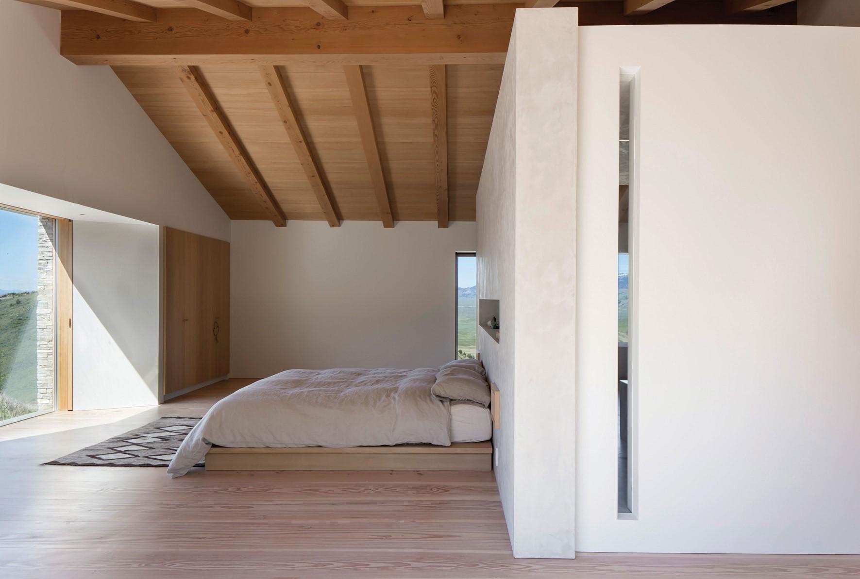 solid-douglas-floor_lye-natural-oil_jackson-hole_bedroom-wood_dinesen.jpg