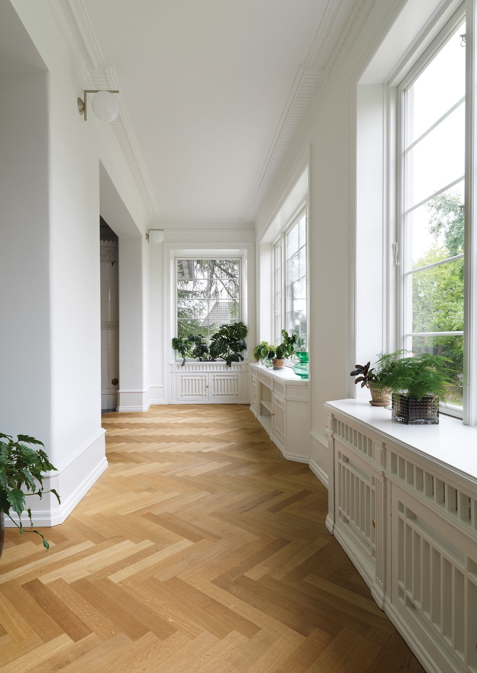 oak-herringbone-floor_natural-oil_villa-gentofte_plants_dinesen.jpg