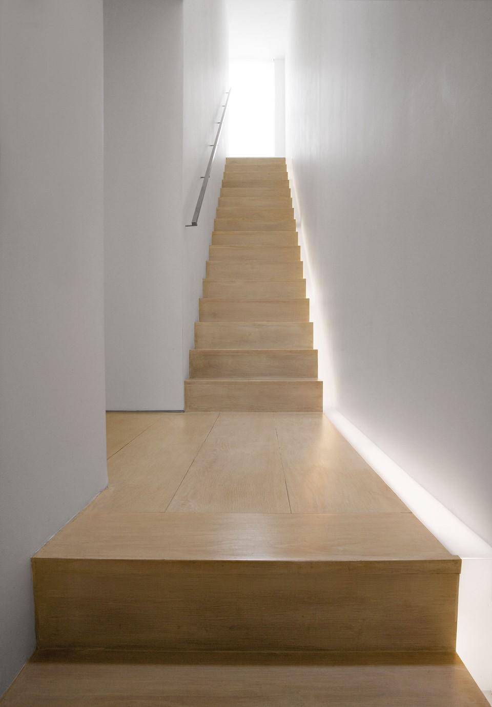 solid-oak-flooring_white-oil_belgravia_john-pawson-staircase_dinesen.jpg