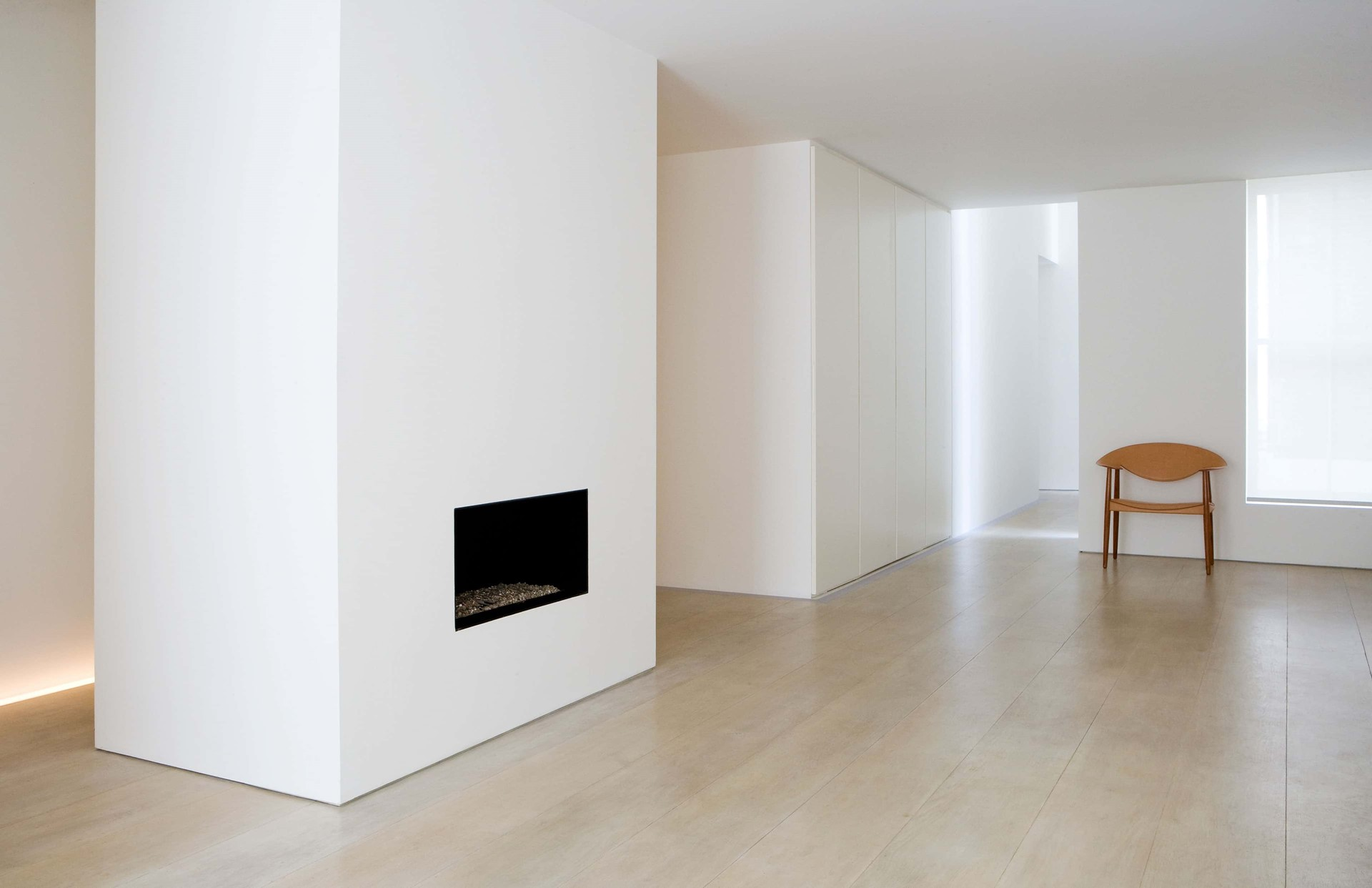 solid-oak-flooring_white-oil_belgravia_johnpawson_dinesen.jpg