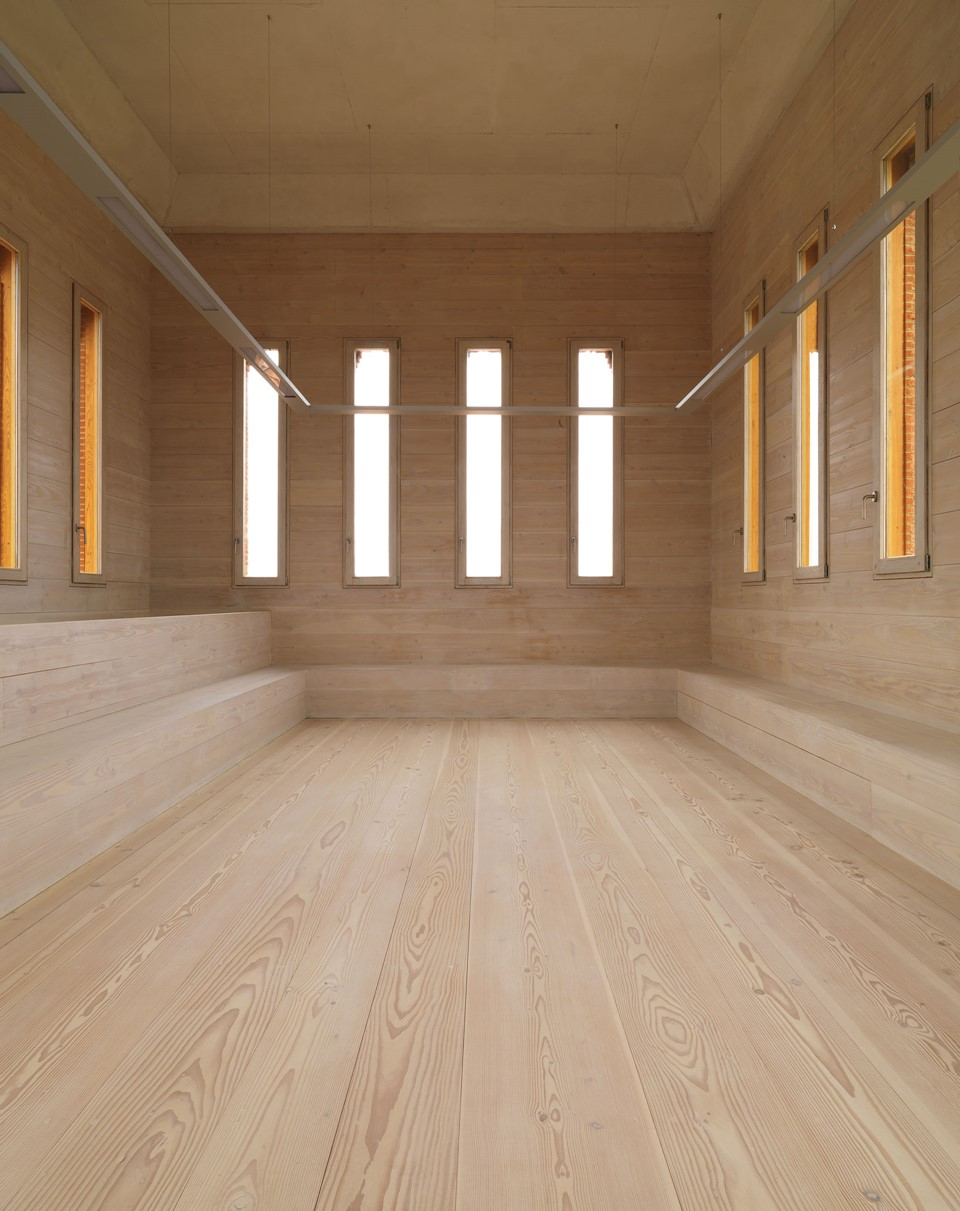douglas-floor_lye-white-soap_comillas_restoration_dinesen.jpg