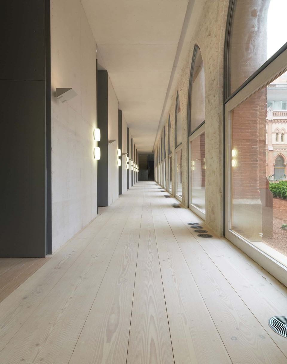 douglas-plank-floor_lye-white-soap_comillas-university-spain_dinesen.jpg